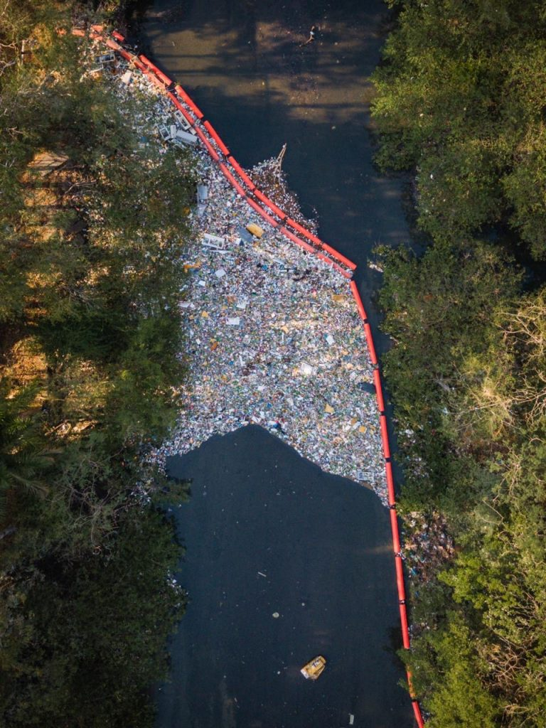 Barrier of Garbage river cleanup system in panama